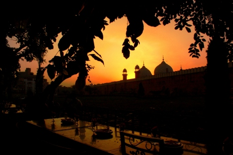 Sunset over Badshahi Mosque from Food Street