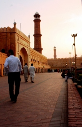 Badshahi Mosque from Hazuri Bagh