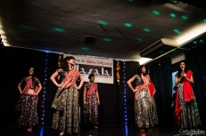 Mantara students on stage at the Madrid Diwali Fiesta 2014